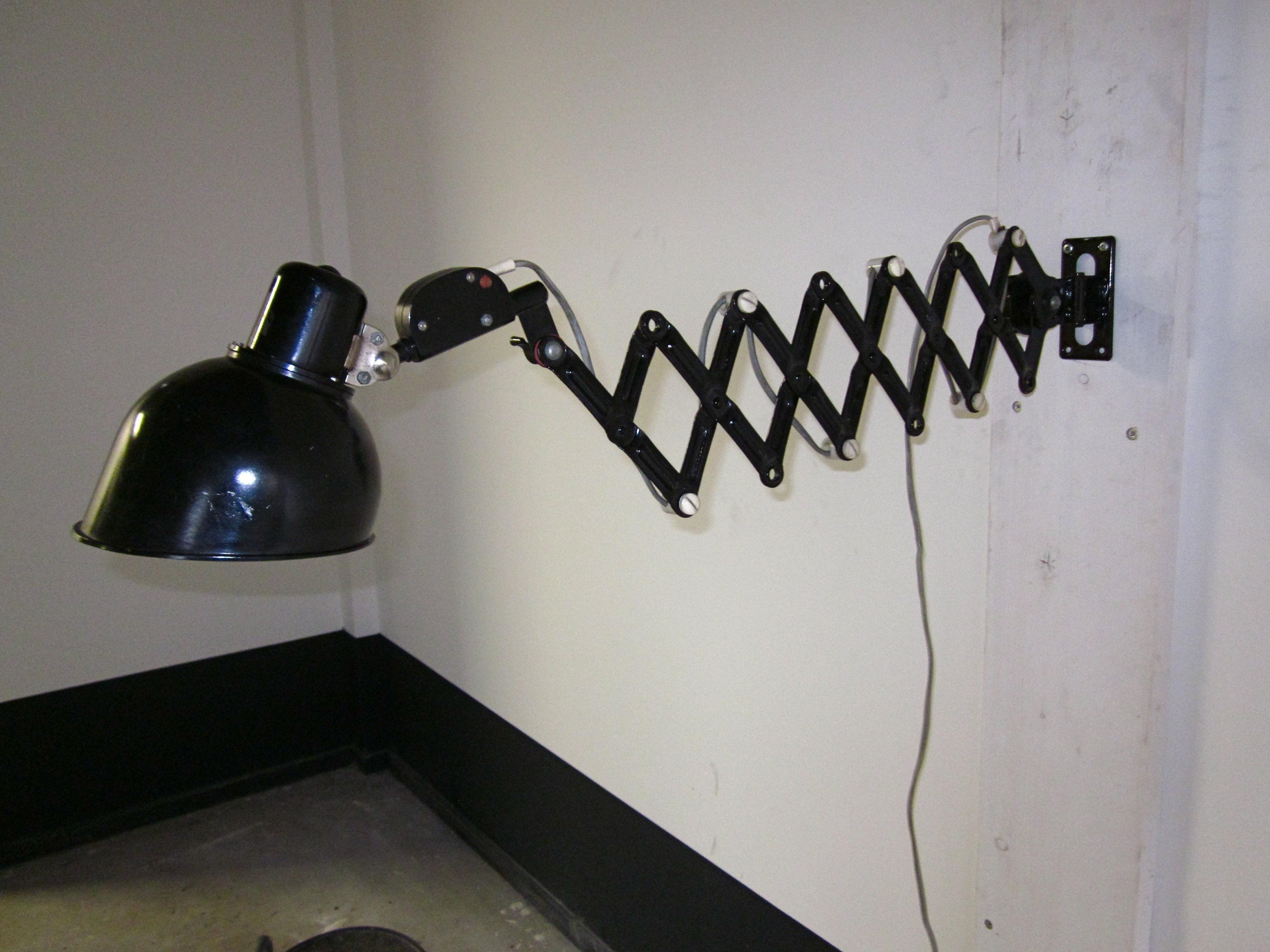 schaarlamp omstreeks 1950 trefwoorden kaiser idell jielde new industrialsnew industrials. Black Bedroom Furniture Sets. Home Design Ideas