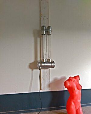 Industriële lamp, bunkerlamp met zuinige, duurzame en dimbare led tl buizen in sfeervol warm wit of in cool wit. Wij geven 5 jaar garantie op de led buizen.