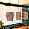 De designlamp hout en karton van 100% gerecycled hout en karton wordt voor u volledig met de hand gemaakt. Het hout is bewerkt volgens 'Shou Sugi Ban'.