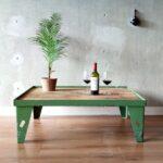 Industriële salontafel, Stoere en robuuste vintage salontafel met mooie patina.